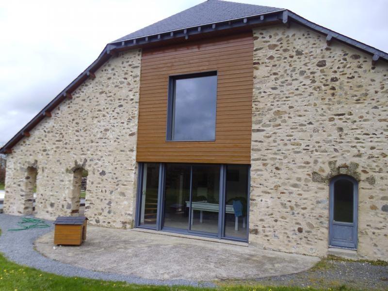 Sale house / villa St philbert de bouaine 400000€ - Picture 1