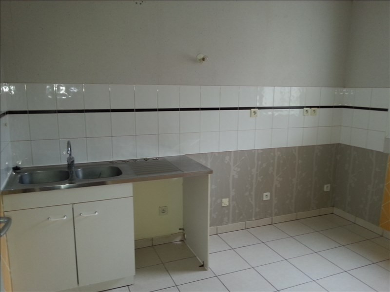 Location maison / villa St ouen 660€ CC - Photo 6
