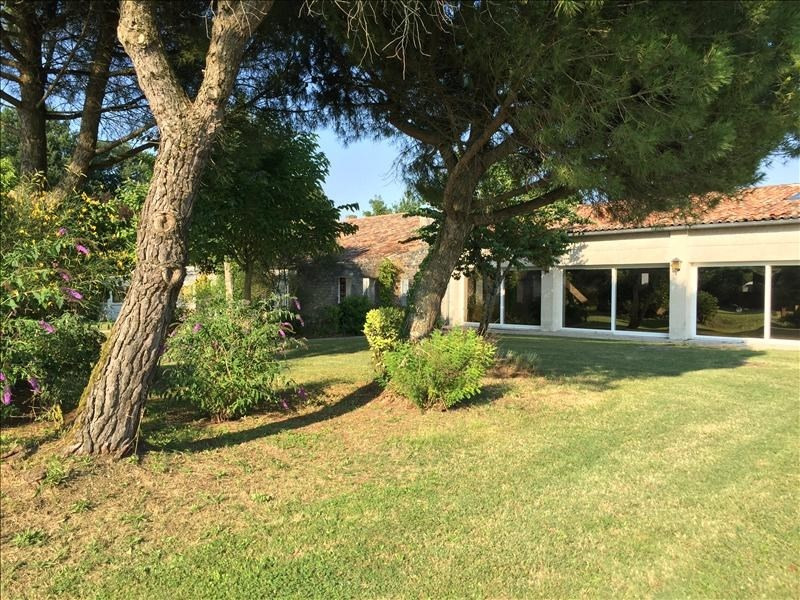 Sale house / villa Grezac 451 500€ - Picture 6