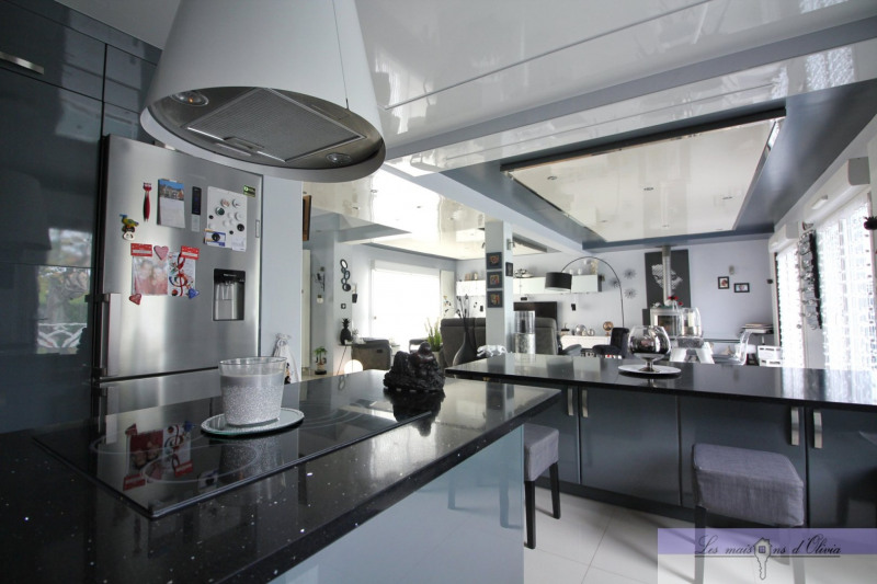 Vente maison / villa Roissy en brie 500000€ - Photo 9