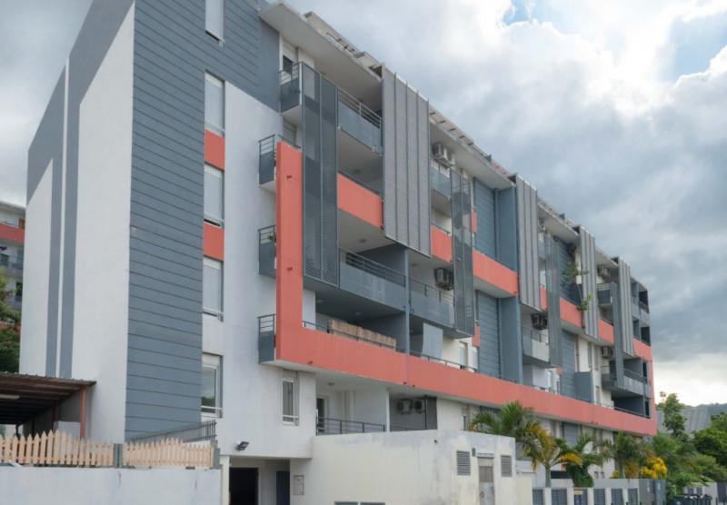 Sale apartment Saint denis 210000€ - Picture 1