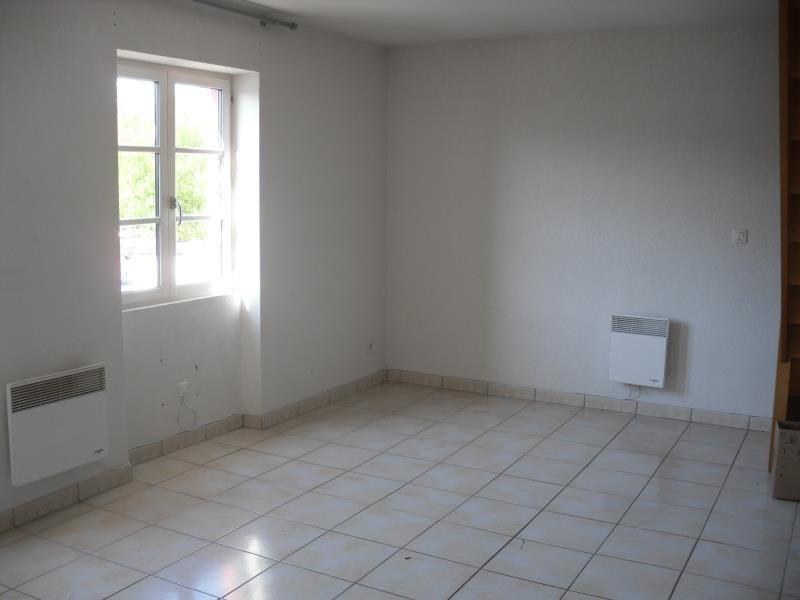 Rental apartment St pee sur nivelle 700€ CC - Picture 2