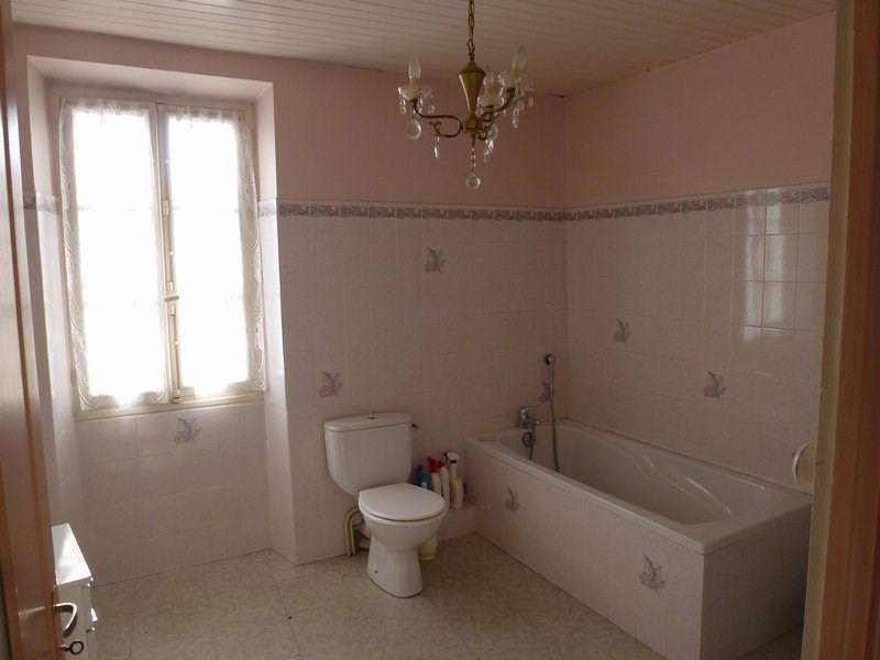 Sale house / villa St christophe et le laris 129000€ - Picture 10