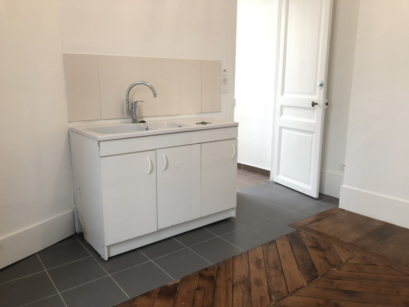 Rental apartment Paris 9ème 1242€ CC - Picture 4