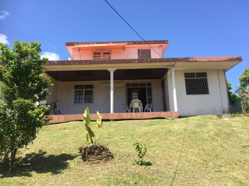 Sale house / villa Riviere salee 367500€ - Picture 2