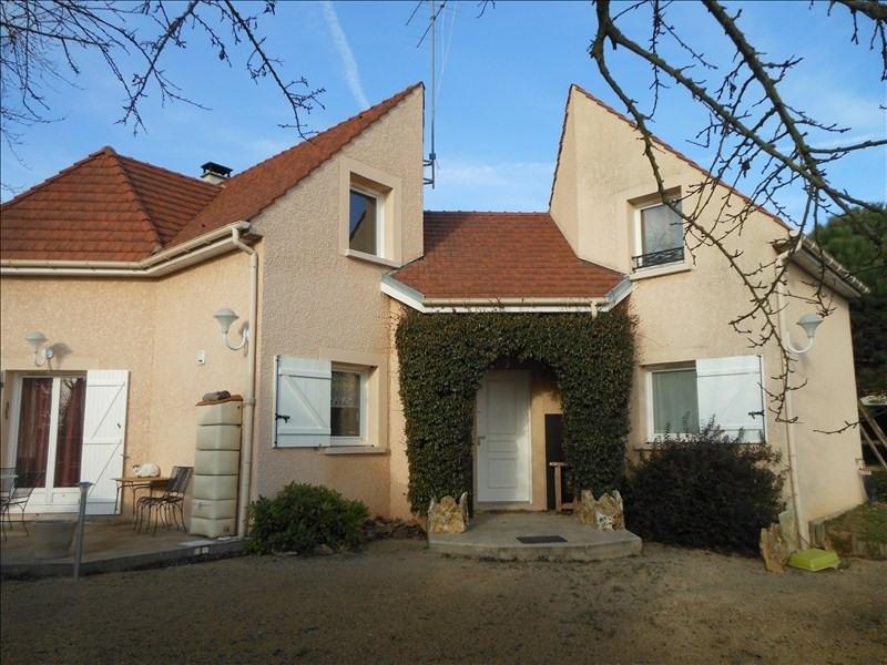 Sale house / villa Brie comte robert 399000€ - Picture 1