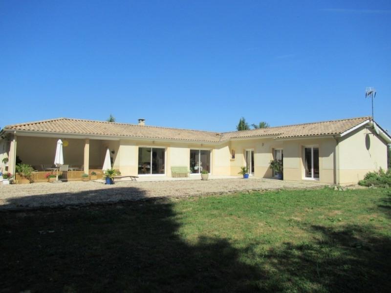 Sale house / villa Mouleydier 223000€ - Picture 1