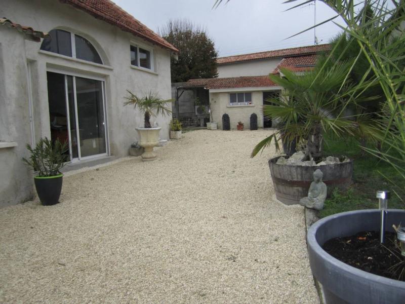 Vente maison / villa Barbezieux-saint-hilaire 150800€ - Photo 2