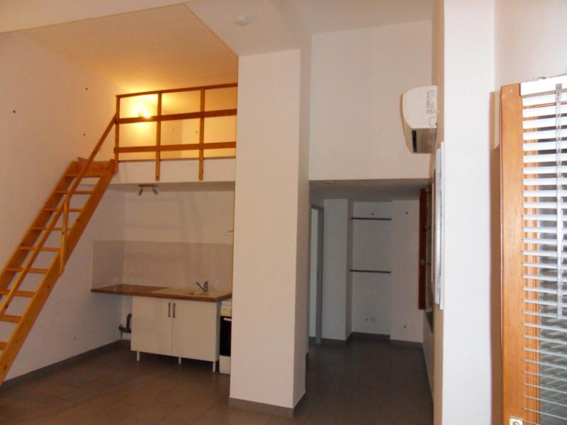 Location appartement Entraigues-sur-la-sorgue 435€ CC - Photo 2