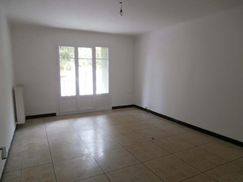 Rental apartment Salon de provence 492€ CC - Picture 1