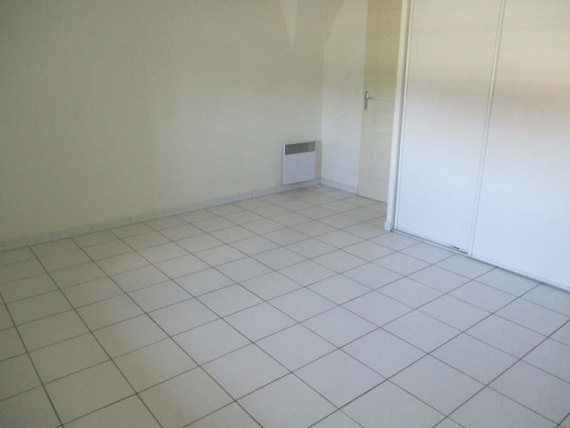Location appartement Senas 830€ CC - Photo 9