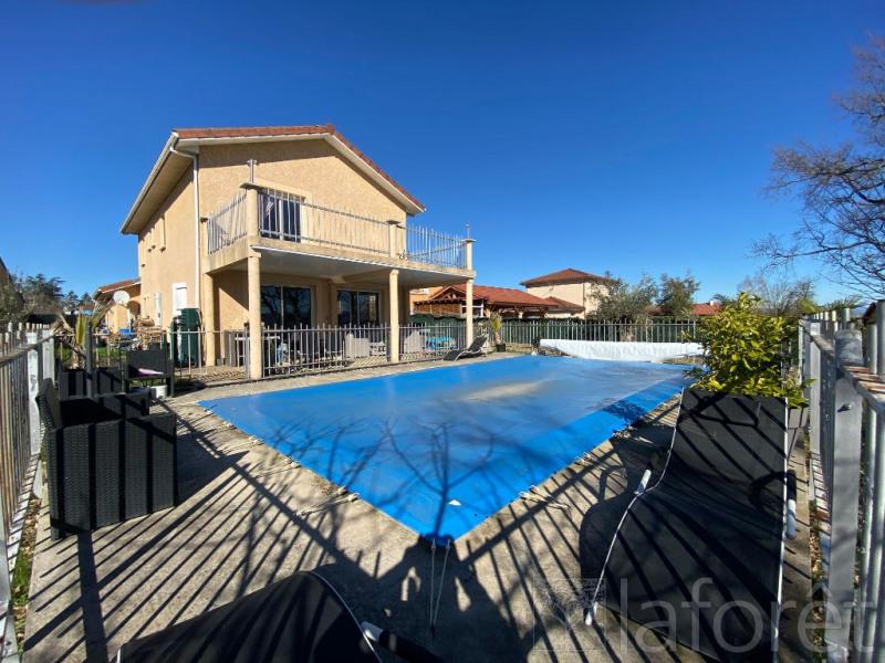 Sale house / villa La cote saint andre 254900€ - Picture 1