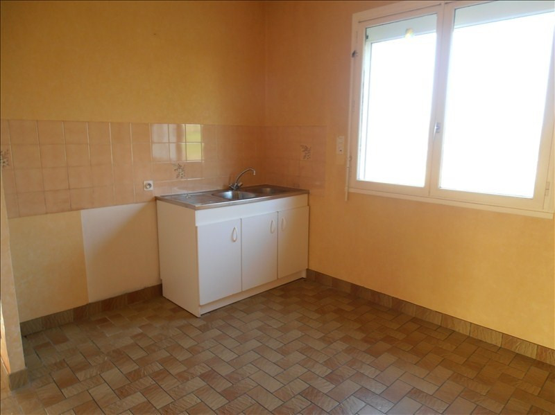 Location maison / villa St jean sur vilaine 725€ CC - Photo 2