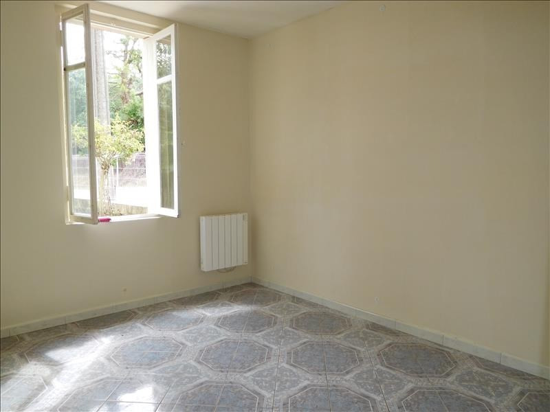 Location maison / villa St andre de cubzac 712€ CC - Photo 6