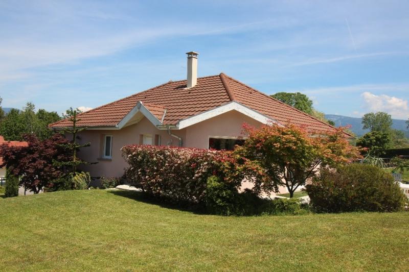 Sale house / villa Le pont de beauvoisin 255000€ - Picture 1