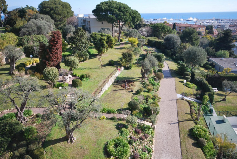 Rental apartment Antibes 1 800€ CC - Picture 1