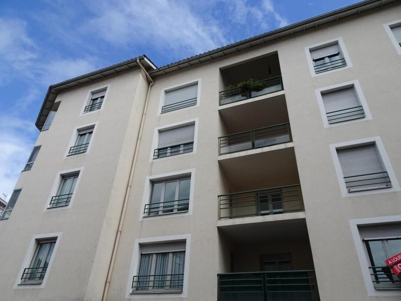 Location appartement Villefranche sur saone 858€ CC - Photo 9