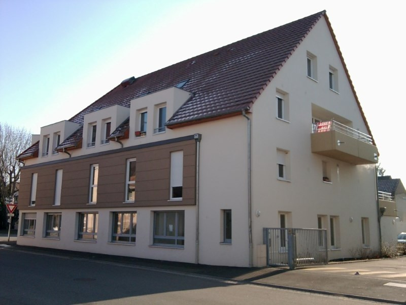 Rental apartment Rhinau 805€ CC - Picture 2