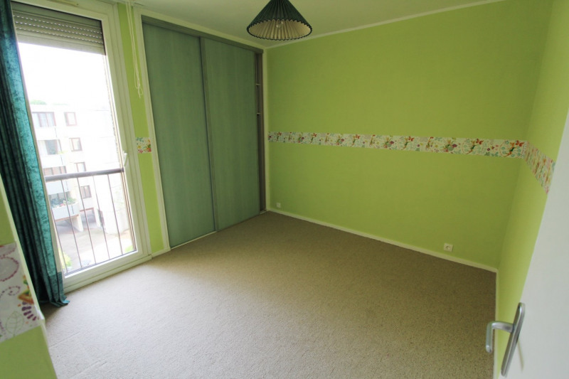 Rental apartment Elancourt 1 271€ CC - Picture 8