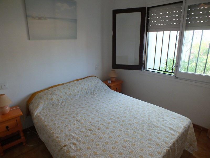 Sale apartment Rosas 92000€ - Picture 5