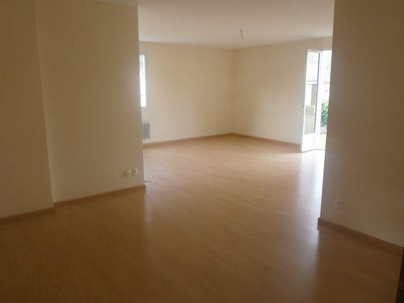 Location maison / villa Sebazac concoures 653€ CC - Photo 3