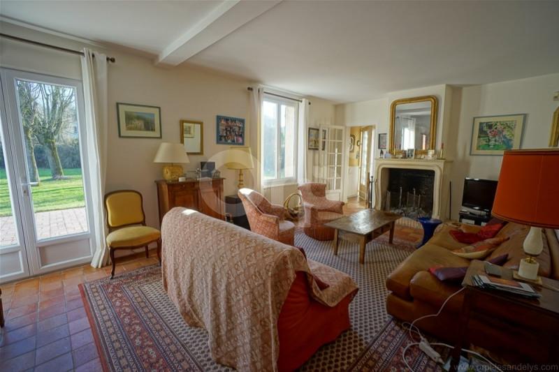 Sale house / villa Les andelys 399000€ - Picture 2