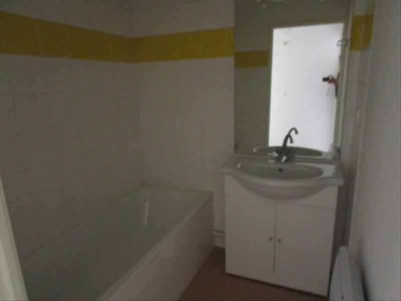 Rental apartment Berriac 360€ CC - Picture 4