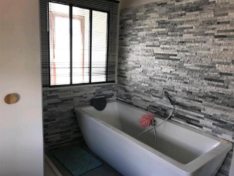 Vente maison / villa St prix 457600€ - Photo 9