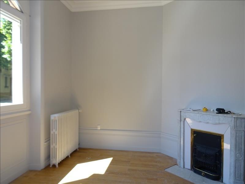 Location appartement Roanne 650€ CC - Photo 2