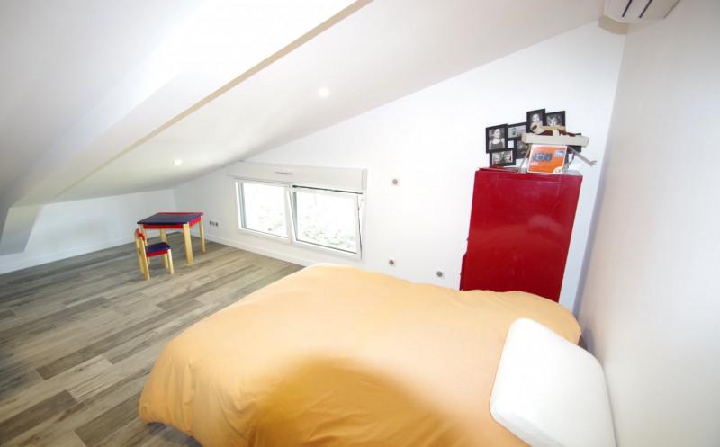 Deluxe sale apartment Brindas 565000€ - Picture 6
