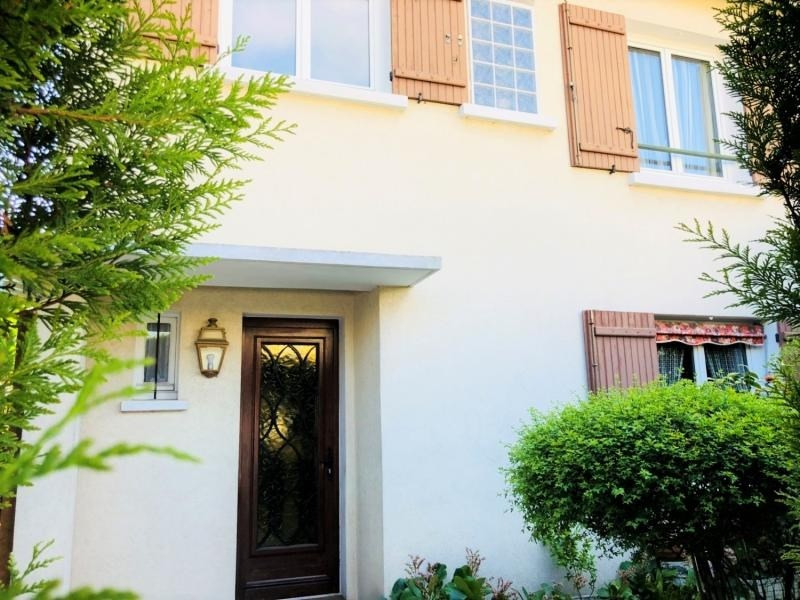Sale house / villa Beauchamp 358 000€ - Picture 1
