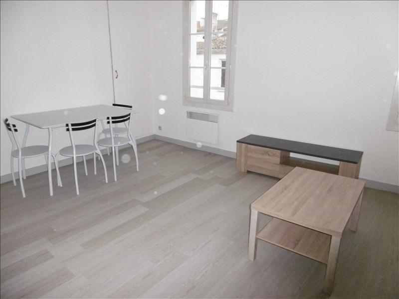 Location appartement Niort 335€ CC - Photo 2