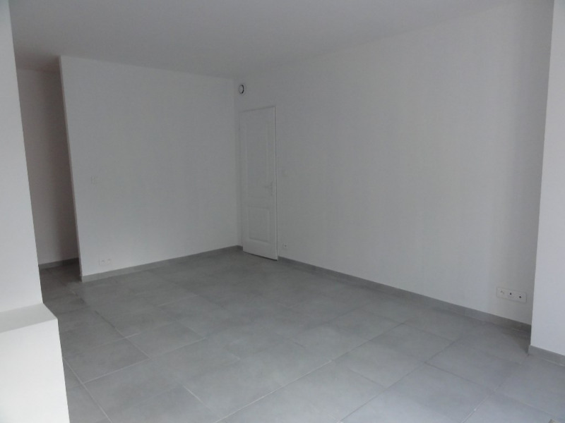 Sale apartment Meyrargues 129 000€ - Picture 3