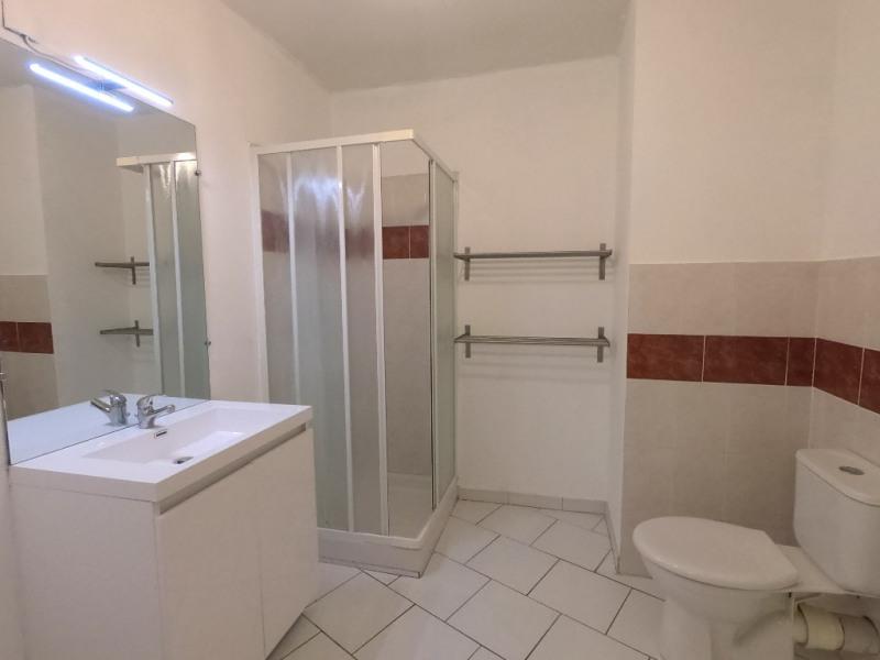 Location appartement Marseille 10ème 546€ CC - Photo 3