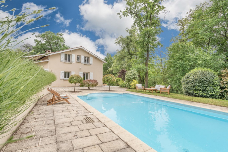 Renovated house with pool