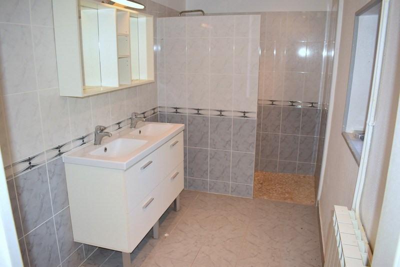 Sale house / villa Montpinchon 160000€ - Picture 3