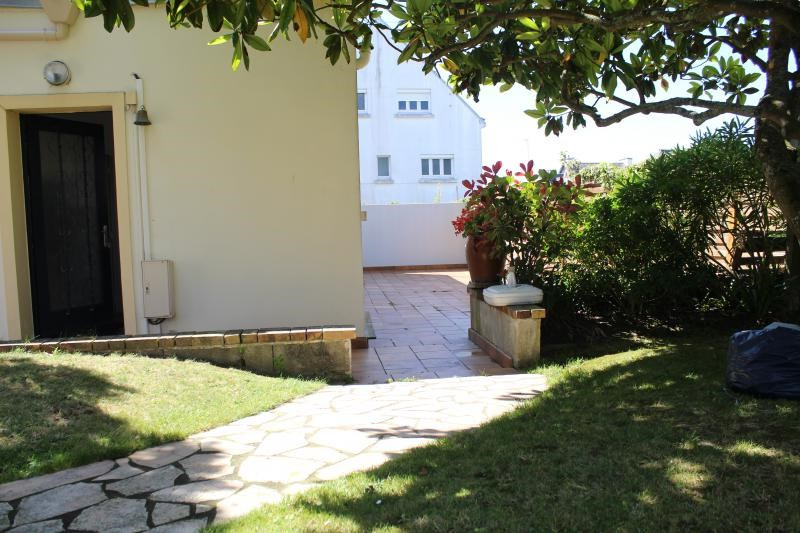 Location maison / villa Larmor plage 580€ CC - Photo 2