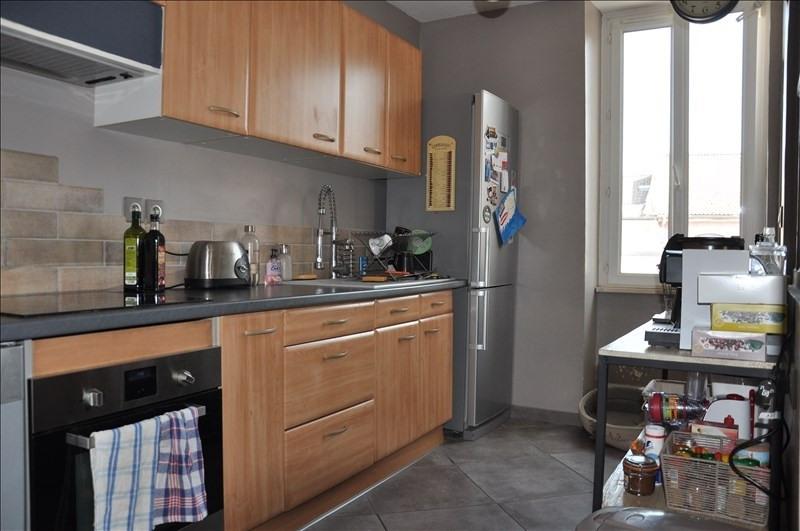 Sale apartment Oyonnax centre 99000€ - Picture 2