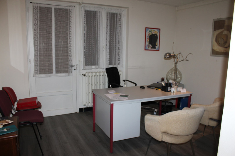 Sale house / villa Lons-le-saunier 180000€ - Picture 3