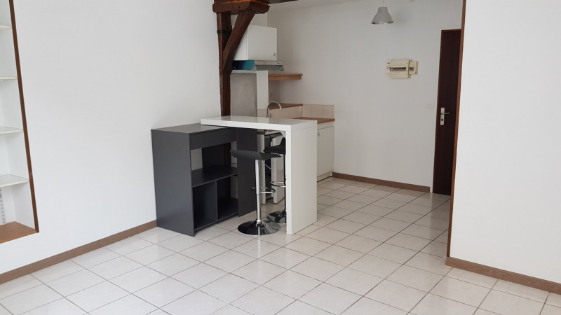 Location appartement Montlhéry 496€ CC - Photo 1