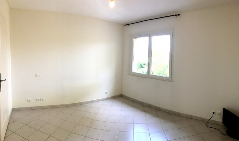 Location appartement Luynes 951€ CC - Photo 5