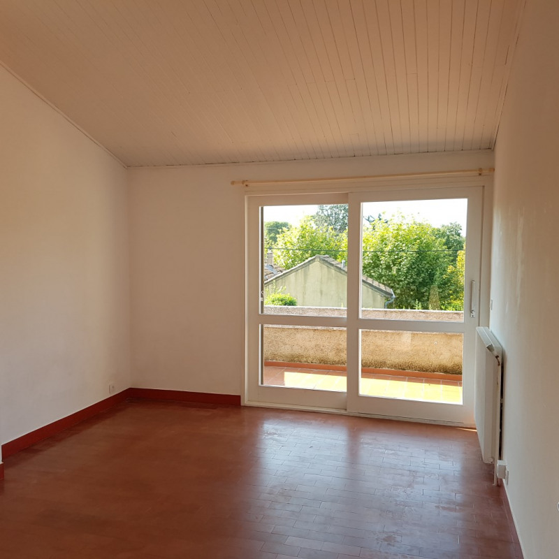 Rental apartment Aix-en-provence 796€ CC - Picture 1