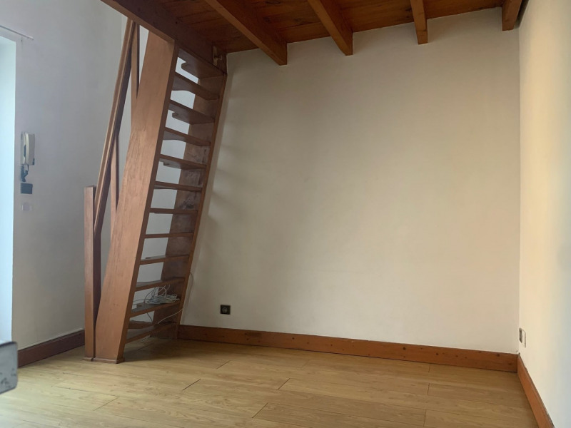 Location appartement La ville du bois 409€ CC - Photo 4