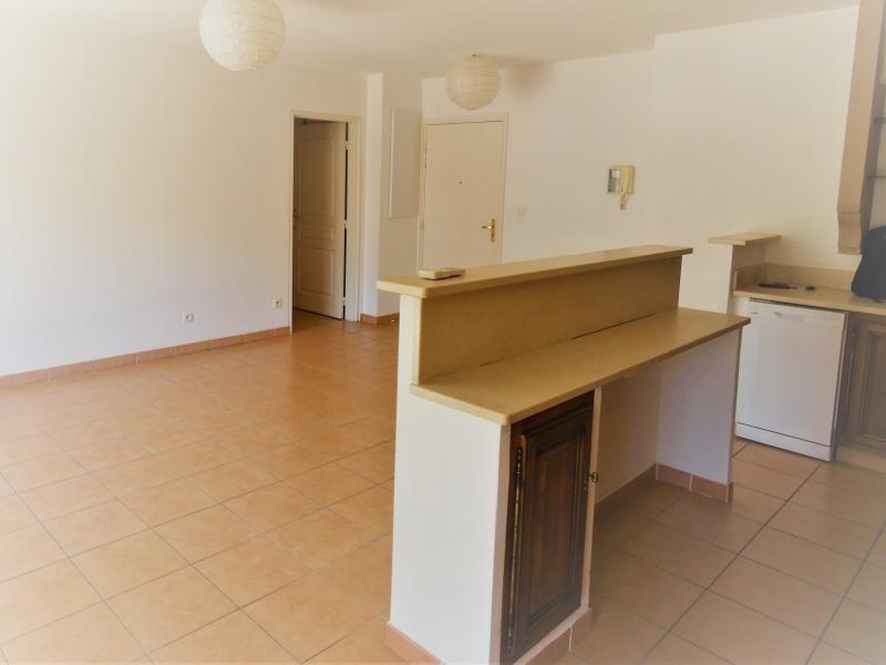 Sale apartment Le beausset 245000€ - Picture 3