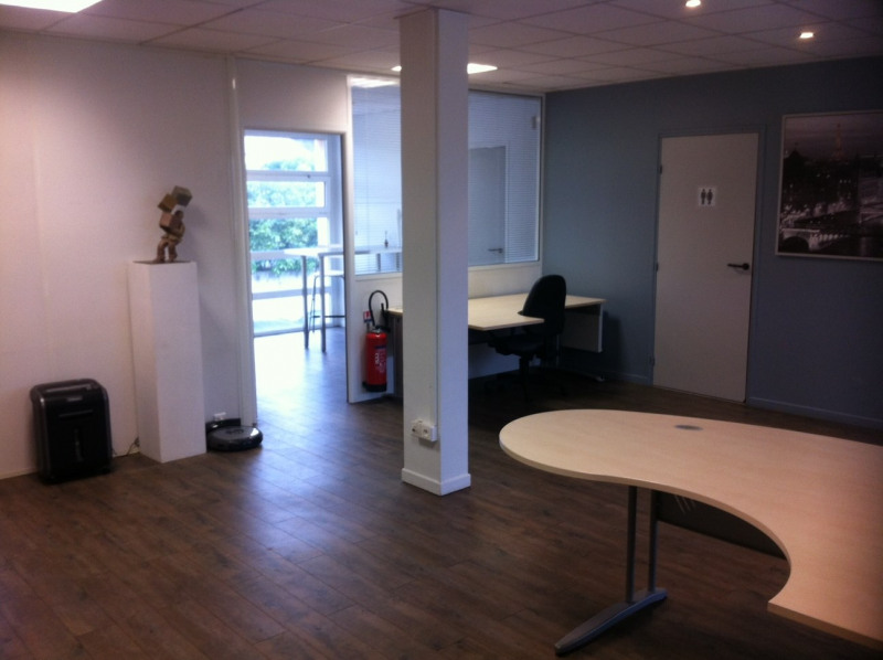 Sale office Montesson 245 000€ HT - Picture 1