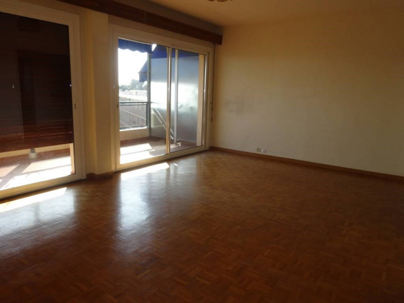 Rental apartment Les angles 555€ CC - Picture 4