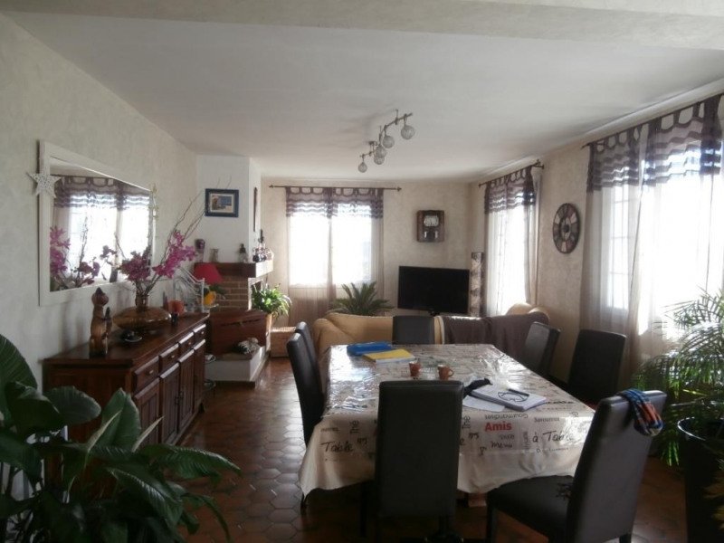 Sale house / villa Saint pierre d'eyraud 175 750€ - Picture 4
