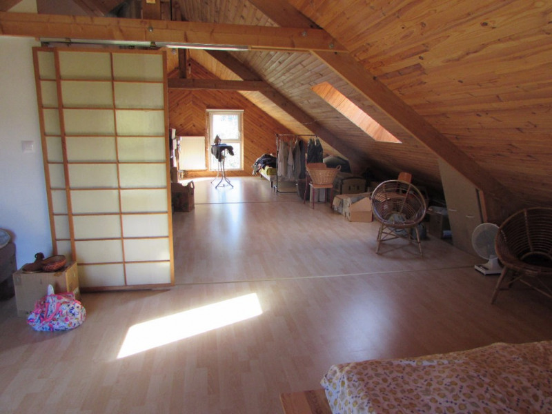 Sale house / villa Carbay 162440€ - Picture 5