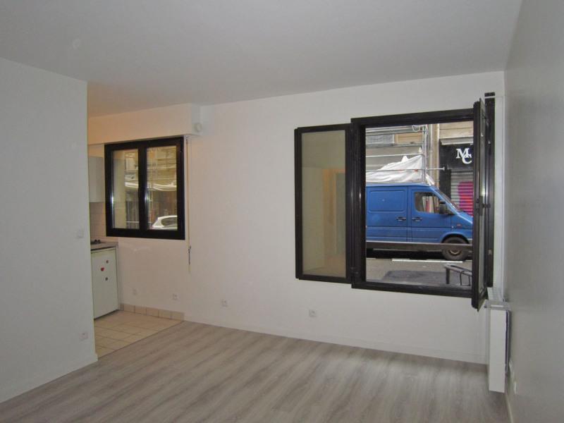 Rental apartment Paris 10ème 744€ CC - Picture 2