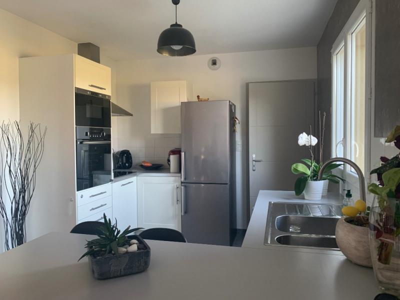Location maison / villa Bourgoin jallieu 895€ CC - Photo 2
